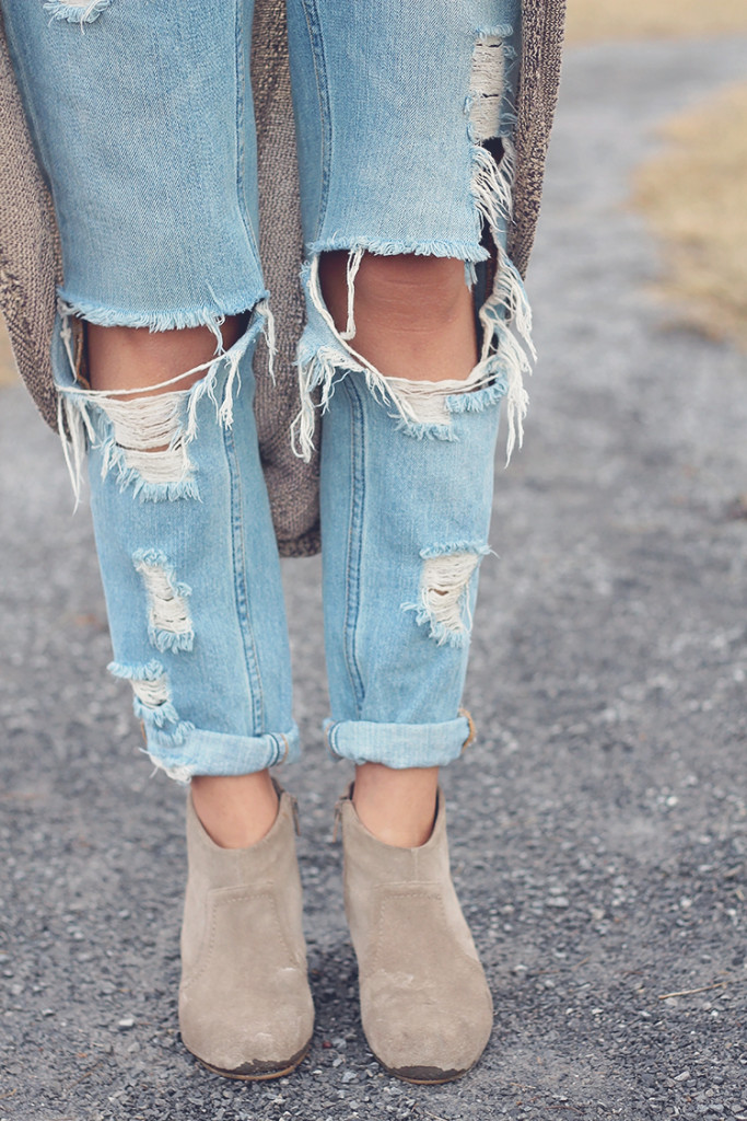 distressed boyfriend jeans uo