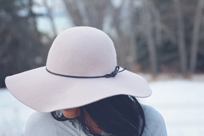 floppy hat for spring
